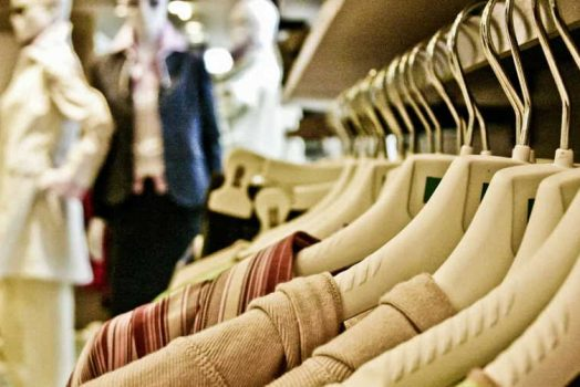 6 Tips to create a positive brand image for clothing shop?